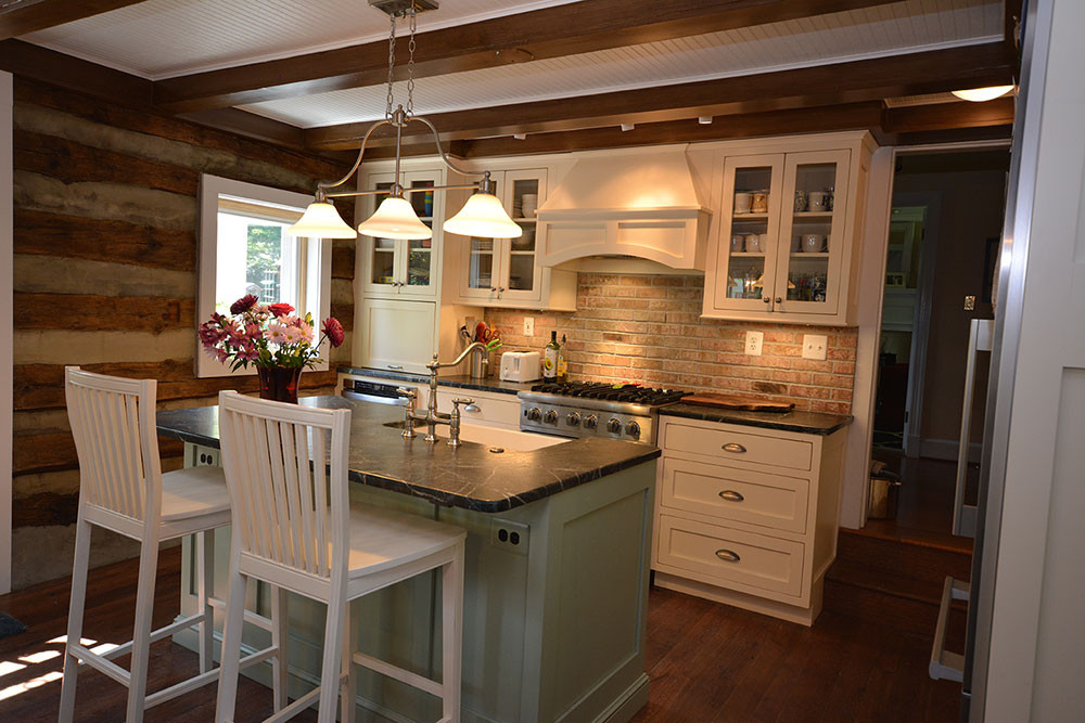 Get inspired shenandoah farm furniture 39 s photo gallery for Quaker kitchen design