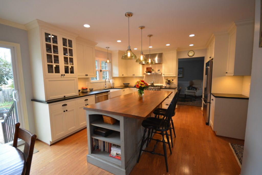 shenandoah-farm-tables-modern-farmhouse-kitchen-renovation-reclaimed-wood-island-seating-and-glass-front-cabinet